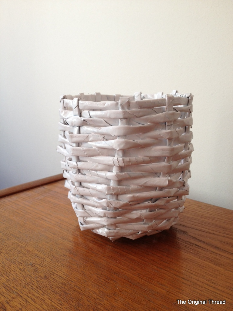 Basket Weaving Using Newspaper : Moved permanently